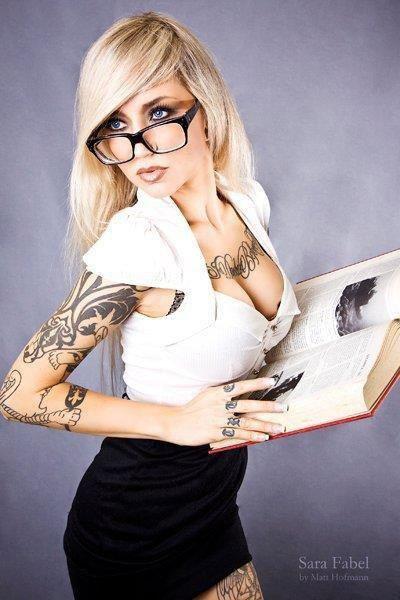 """"""" Une lecture amusante est aussi utile � la sant� que lexercice du corps."""" [ Emmanuel Kant ]"""