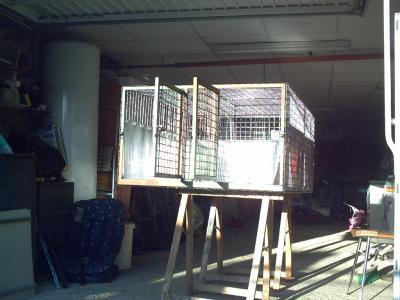 caisse a chien pour le 4x4 manu et ses griffons bleus de gascogne. Black Bedroom Furniture Sets. Home Design Ideas