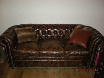 a vendre canap chesterfield vintage si un jour je meurs et qu 39 on m 39 ouvre le coeur. Black Bedroom Furniture Sets. Home Design Ideas