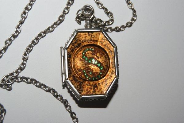 Medaillon de Salazar Serpentard