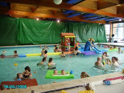 Bebe nageur piscine de valenciennes nos 2 petits ange for Construction piscine valenciennes