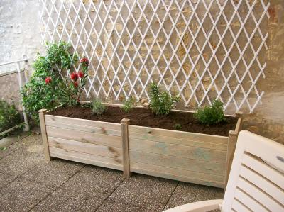 jardini re en bois sur mesure avec v g talisation le paradis vert 17. Black Bedroom Furniture Sets. Home Design Ideas