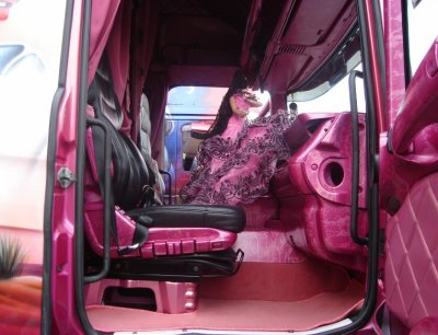 Interieur cabine camion forever for Camion americain interieur cabine