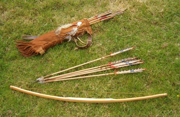 fabrication d 39 un arc de chasse en bois d 39 osage wicasa siotantka l 39 homme qui joue et qui. Black Bedroom Furniture Sets. Home Design Ideas