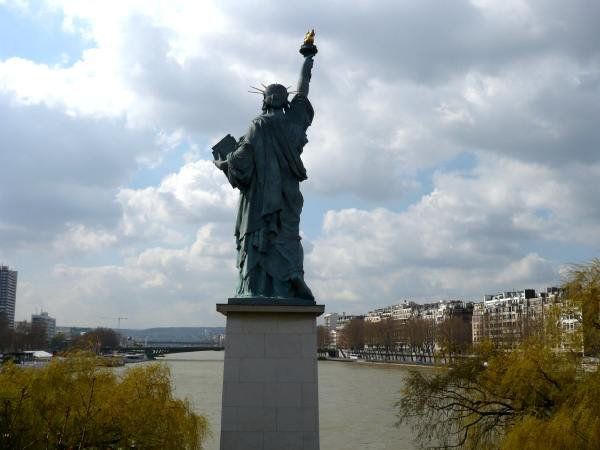 Statue de la Libert�, illuminati