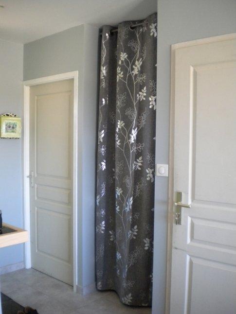Le rideau pour le placard de l 39 entr e bienvenue chez nous Placard avec rideau