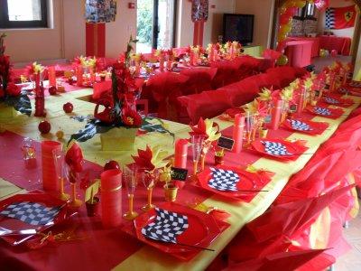 d coration rouge et jaune anniversaire 50 ans la d co de marie. Black Bedroom Furniture Sets. Home Design Ideas