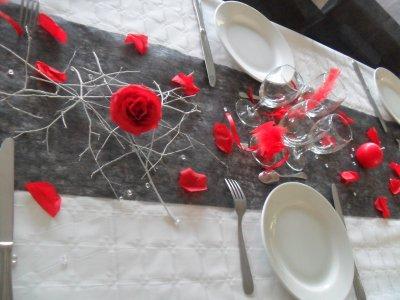 décoration blanc, rouge et noir mariage - La déco de Marie