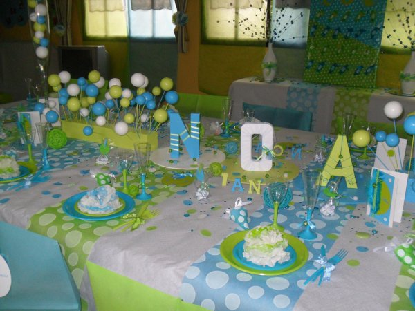 D coration bapt me pois blanc anis turquoise la d co - Idee decoration de table pour communion fille ...