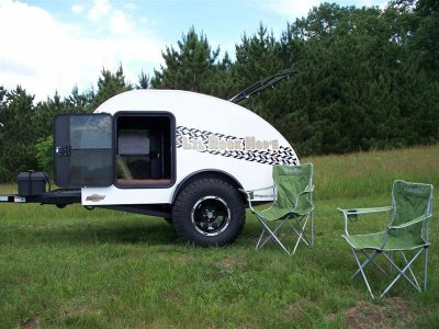pour 2 au campement caravane tout terrain off road 4x4. Black Bedroom Furniture Sets. Home Design Ideas
