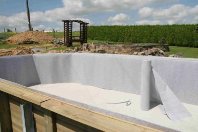 Blog de indy101 page 7 construction d 39 une piscine wood for Pose feutre piscine