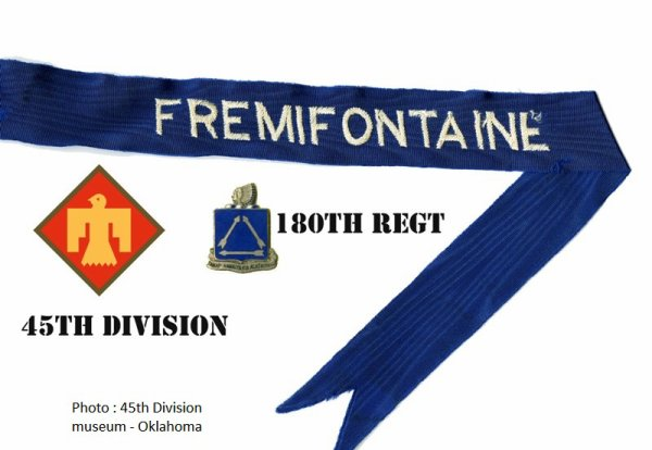 D�coration au drapeau et citation pr�sidentielle - Streamer and Presidential Unit itation