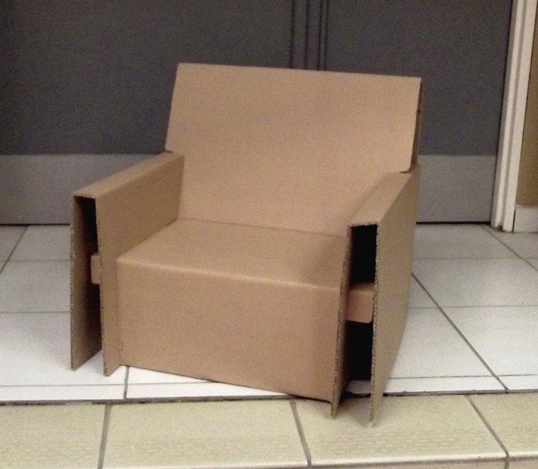 fauteuil en carton ondul u00e9