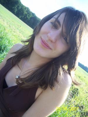 derniére tite photo de ma <b>ptite Marie</b> j'espére a bientot. - 1170768860_small