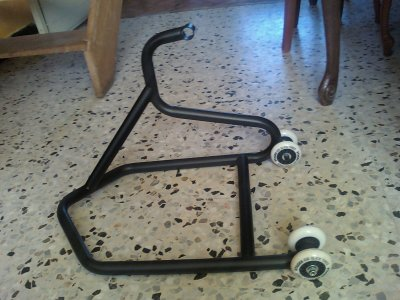 bequille de stand stage 6 ressu rocktro drag kiesler just for run 2011. Black Bedroom Furniture Sets. Home Design Ideas