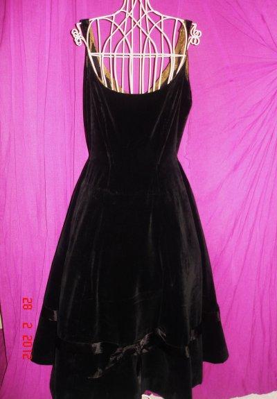 robe de soir e velour noir ann es 50 neant. Black Bedroom Furniture Sets. Home Design Ideas