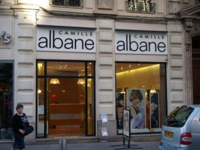 Salon camille albane coiffeur coloriste maquilleur for Salon de coiffure camille albane