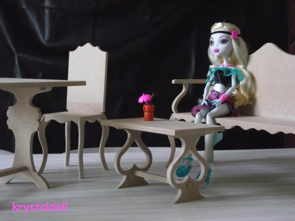 meubles pour monster high les miens je suis une. Black Bedroom Furniture Sets. Home Design Ideas