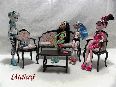 meubles pour monster high nouveaux meubles fabriqu s par. Black Bedroom Furniture Sets. Home Design Ideas