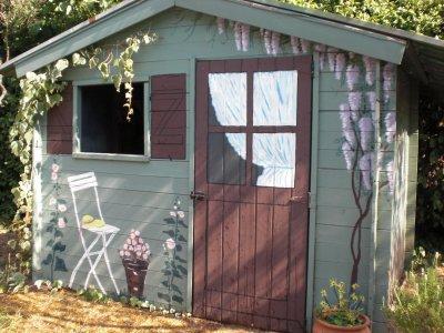 Dessin sur une cabane de jardin mes cr ations florals for Cabane de jardin originale