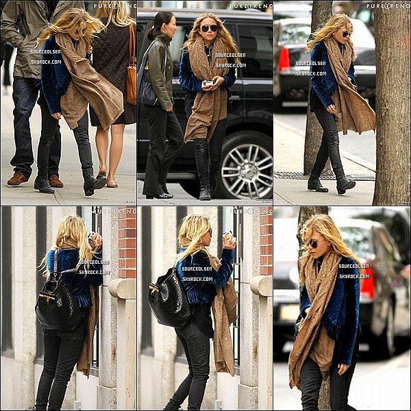 . 09/04/2012 : Mary-Kate Olsen �tait dans les rues du quartier de Soho dans New-York City. .