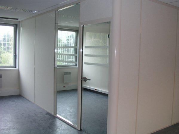 Cloison de bureau 1 2 vitr e porte clarit avec vitrophonie - Cloison amovible avec porte ...