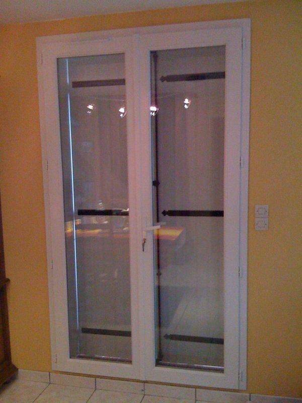 Porte fen tre 2 vantaux sans soubassement pvc blanc for Fenetre chambre sans volet
