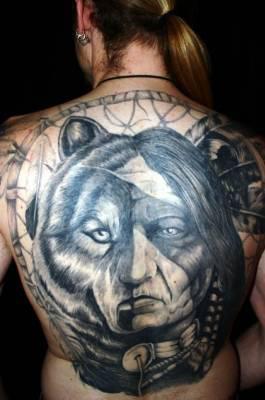 tatoo loup et indien visage tatouages tatoo le plus gros. Black Bedroom Furniture Sets. Home Design Ideas