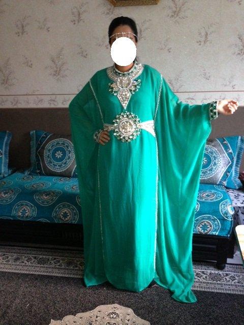 robe dubai verte taille standard location et vente de robes orientals voir. Black Bedroom Furniture Sets. Home Design Ideas