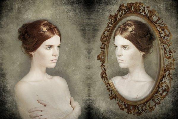 Miroir miroir mon beau miroir dis moi qui est la plus for Miroir miroir qui est la plus belle