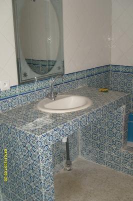 Appartement bleu salle de bain location d 39 appartement for Salle de bain tunisie