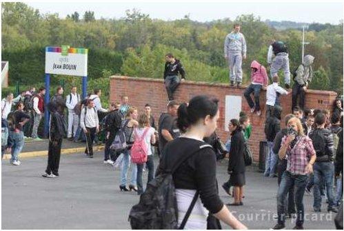 Manifestations, blocus et dégâts à Saint-Quentin (02) (suite 2