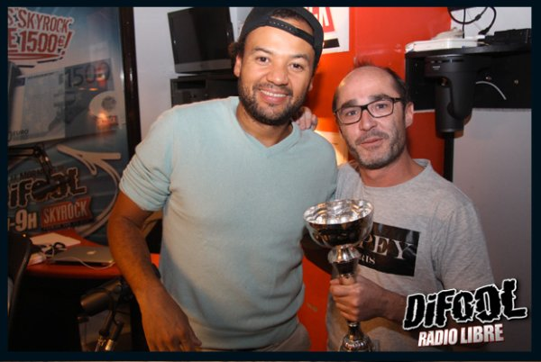 Romano avec Fabrice Ebou� apr�s sa victoire au clash de la drague !