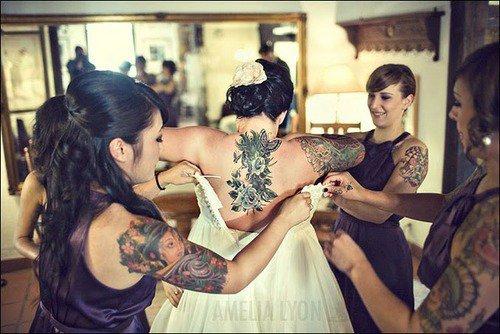 Des mari�es & des demoiselles d'honneur ..  tatou�es !