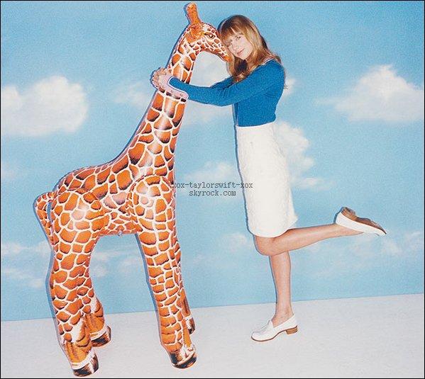 Taylor  Fait  la couverture du nouveau num�ro du magazine Wonderland