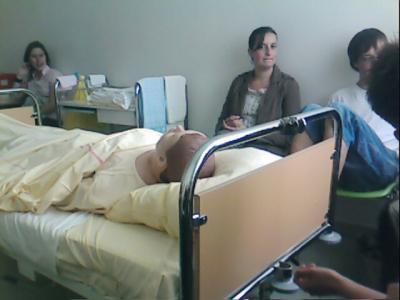 tp toilette au lit ifsi jury les metz 2008 2011. Black Bedroom Furniture Sets. Home Design Ideas