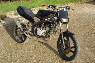 vds yamaha tzr 50cc equip stunt pas cher pas cher 800e blog des breizh riders. Black Bedroom Furniture Sets. Home Design Ideas