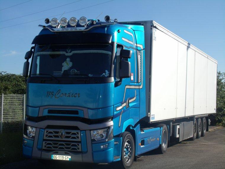 Renault range t transport cordier blog de unimog888 for Renault range t interieur