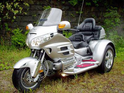 goldwing 3 roues serie limit e je suis le m tre du moto a. Black Bedroom Furniture Sets. Home Design Ideas