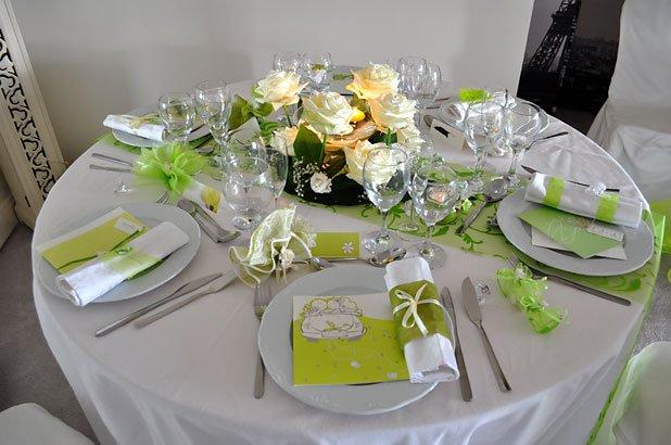 D coration de table mariage anniversaire d ner en for Deco annee 70 pour anniversaire