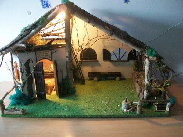 Cr che no l fabrication maison tous mais mod lisme en bois - Fabrication de maison pour creche de noel ...