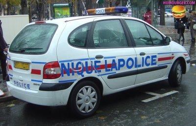 police renault scenic nouveau logo nique la police coucou. Black Bedroom Furniture Sets. Home Design Ideas