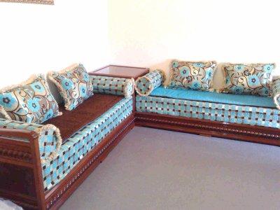 Salon italien avec tissu marron turquoise salons - Salon marocain turquoise marron ...
