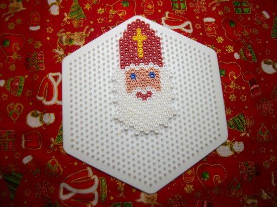 Saint Nicolas en perles hama ou perles a repasser  6 d�cembre
