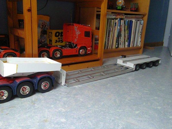 Surbaiss e col de cygne d boitable camions rc fr for Col de cygne chantier