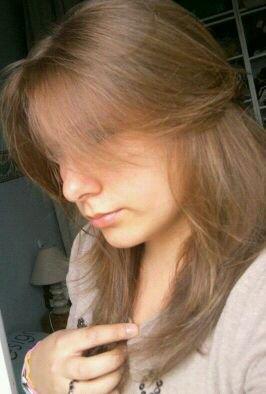 Jeune fille brune au yeux bleu blog de s dreamy s - Fille au yeux bleu ...
