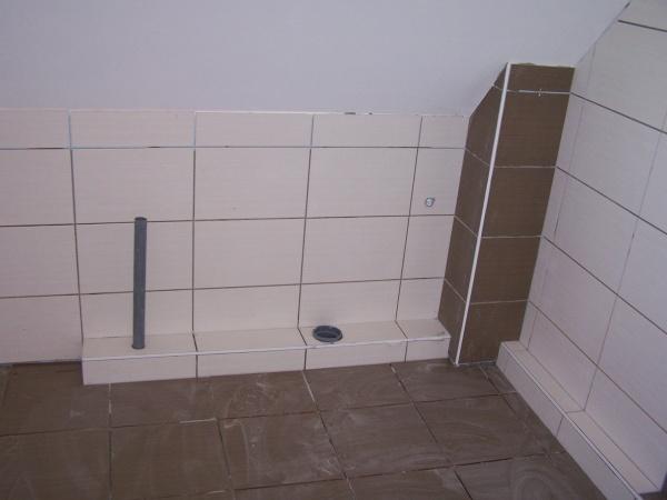 coffrage des conduites d 39 vacuation wc baignoire notre construction au fil des jours. Black Bedroom Furniture Sets. Home Design Ideas