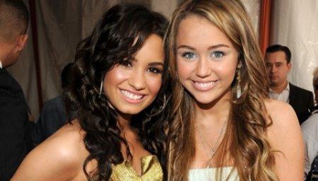 Un duo entre Demi et Miley??