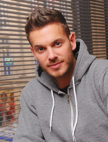 matt pokora le plus beau gosse des hommes et du monde. Black Bedroom Furniture Sets. Home Design Ideas