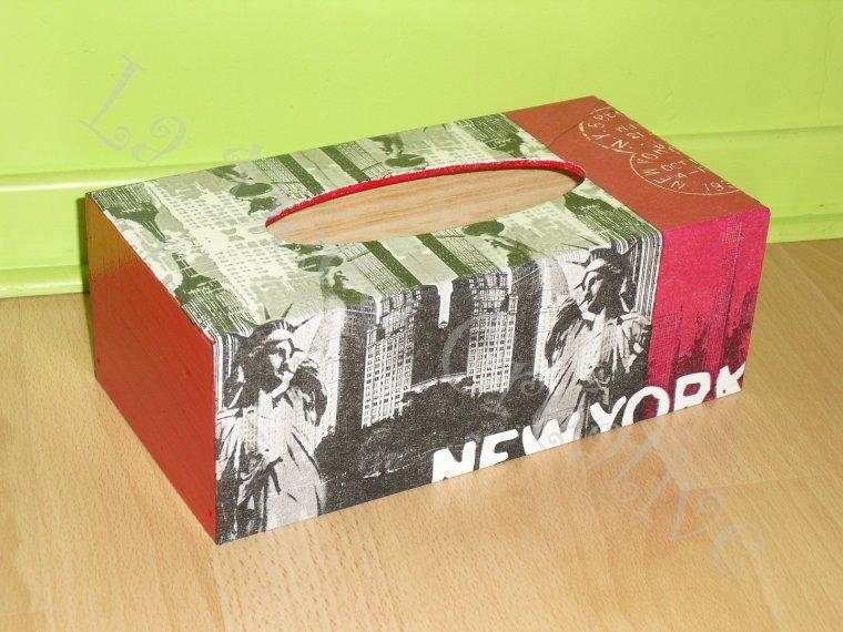 boite mouchoirs new york rouge blog de deco et compagnie59. Black Bedroom Furniture Sets. Home Design Ideas